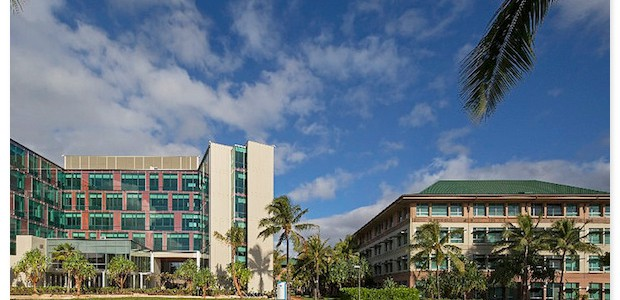 ハワイ大学医学部の解剖実習に参加できます。